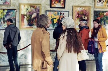 Открытие  Второй региональной художественной выставки «Вальс цветов»