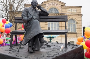 В Пятигорске установлен памятник поэту Сергею Михалкову