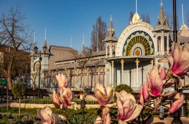 Пятигорск - в десятке популярных городов для женского туризма в марте 2021.