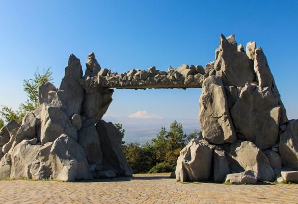 Ворота Любви (Солнца)