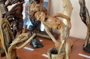 Выставка корнепластики